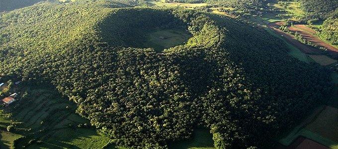 Церковь в кратере вулкана