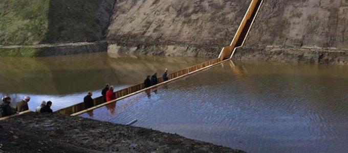Необычный мост Моисея