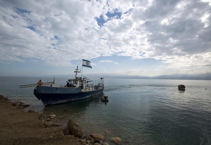 Снижение уровня воды в мертвом море
