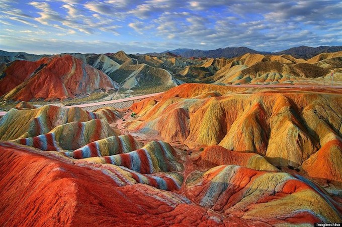 Божьи краски - цветные горы Китая